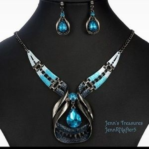 Forged Gunmetal Caribbean Blue Crystal Statement